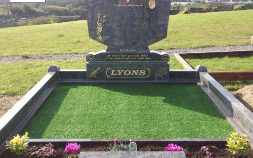 Gavins Memorials, Ballyhaunis, Co Mayo, Ireland.  Paradiso - GM 020