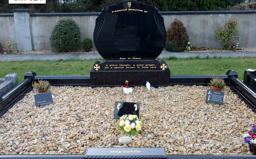 Gavins Memorials, Ballyhaunis, Co Mayo, Ireland.  Black Double Flamed Tulip - GM 024